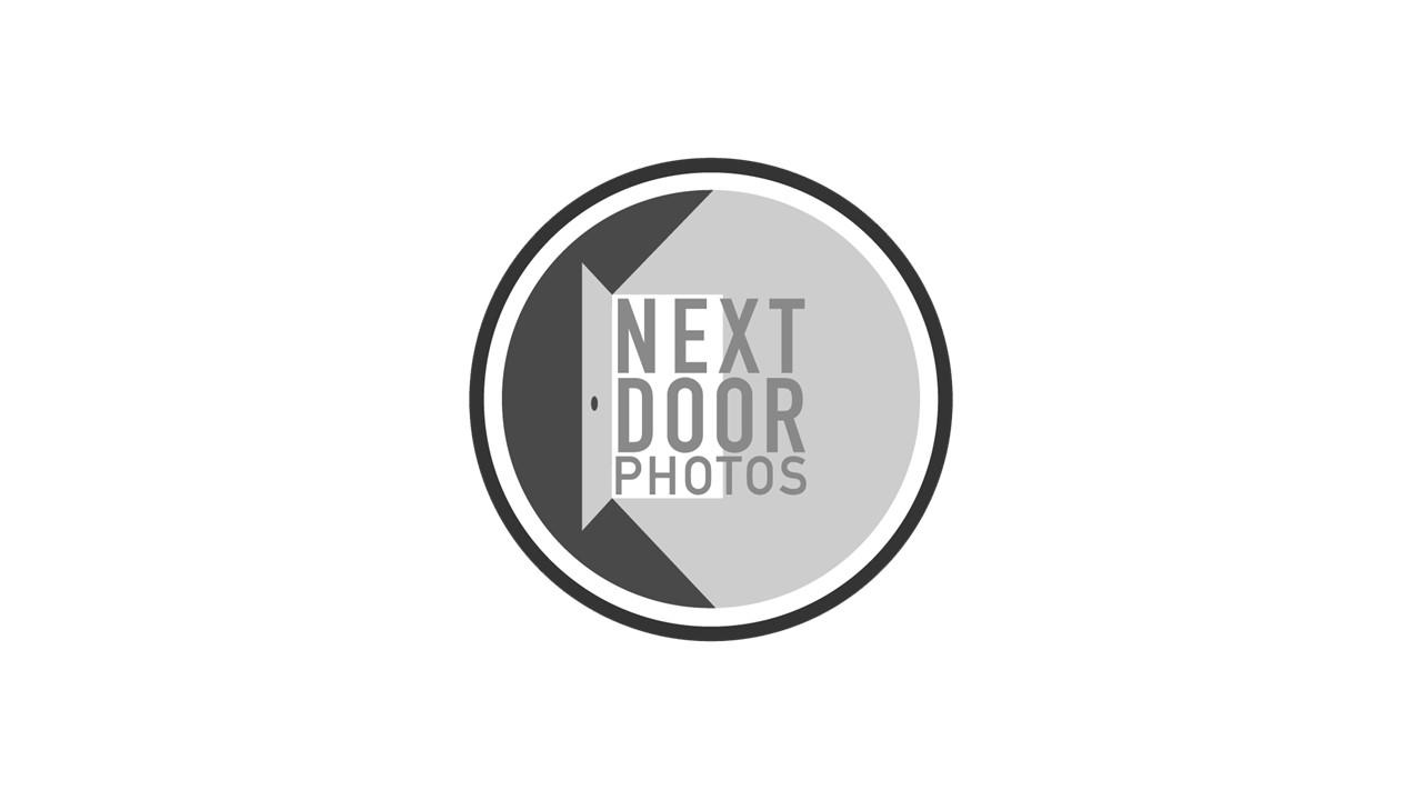 Next Door  Photo's